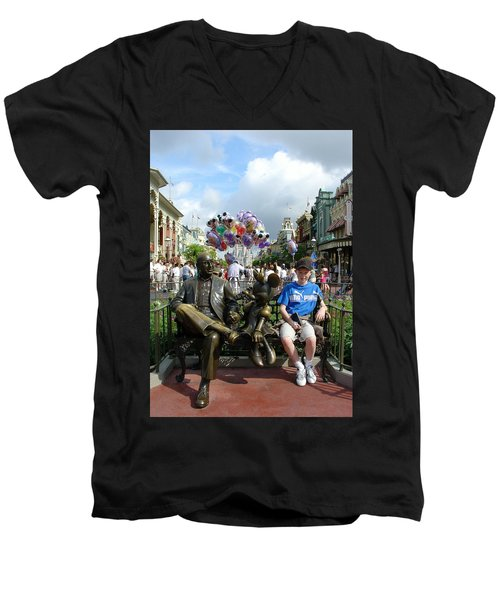 Men's V-Neck T-Shirt featuring the photograph Tingle Time by David Nicholls