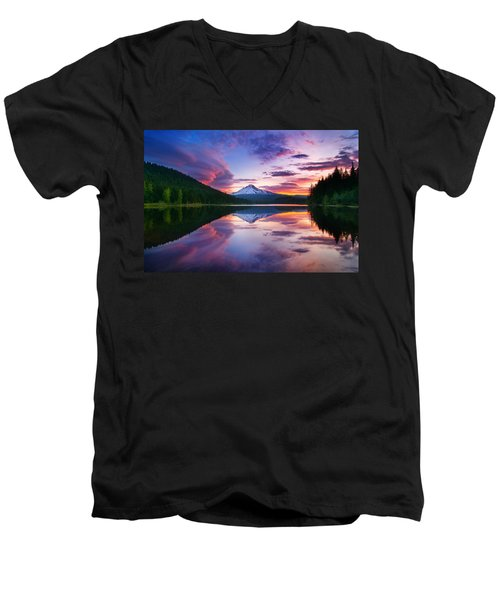 Trillium Lake Sunrise Men's V-Neck T-Shirt