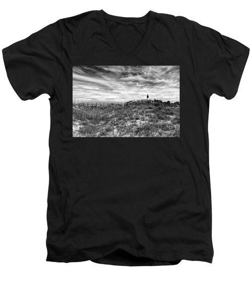 Tybee Island Light Station Men's V-Neck T-Shirt