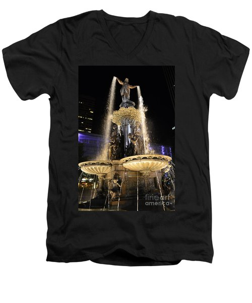Fx9u-1250 Tyler Davidson Fountain Photo Men's V-Neck T-Shirt