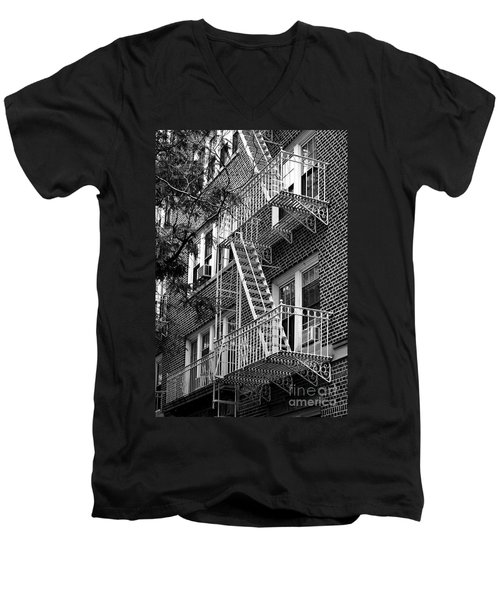 Typical Building Of Brooklyn Heights - Brooklyn - New York City Men's V-Neck T-Shirt