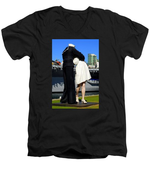 Men's V-Neck T-Shirt featuring the photograph Unconditional Surrender Kiss by Caroline Stella