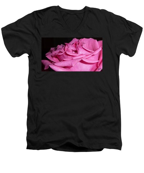 Understanding Peace Men's V-Neck T-Shirt