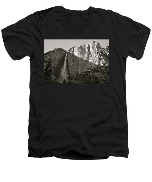 Upper Yosemite Falls Composition In Triangles Men's V-Neck T-Shirt