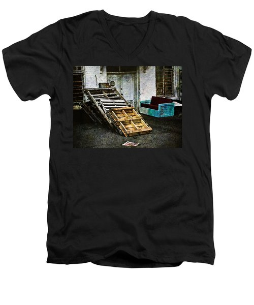Urban Luxury Men's V-Neck T-Shirt