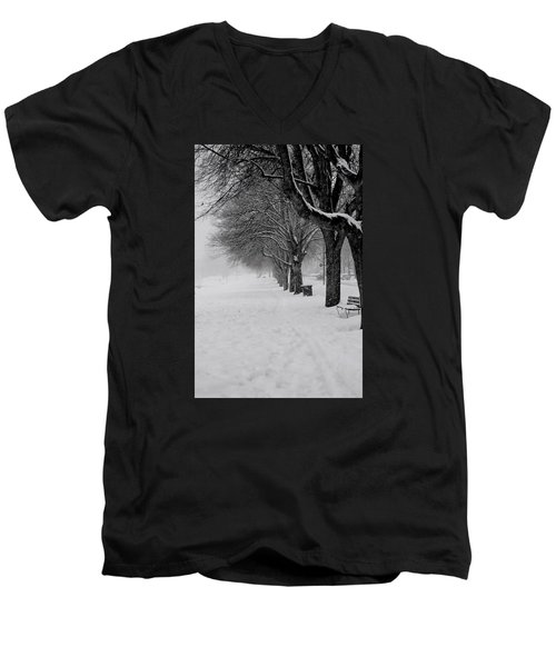 Vancouver Winter Trees Men's V-Neck T-Shirt