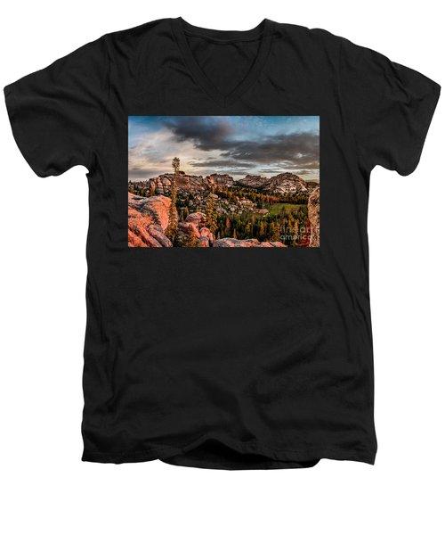 Vedauwoo View Men's V-Neck T-Shirt