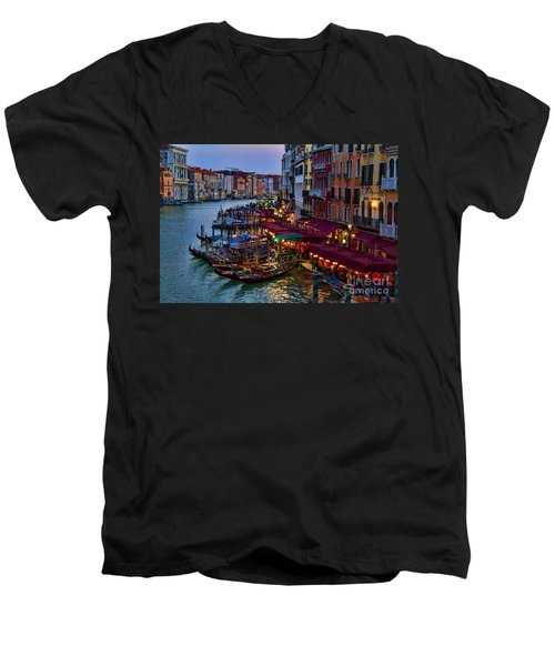 Venetian Grand Canal At Dusk Men's V-Neck T-Shirt