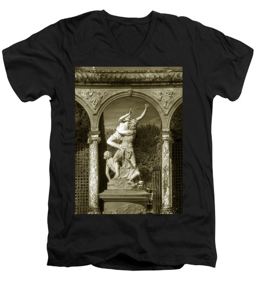 Versailles Colonnade And Sculpture Men's V-Neck T-Shirt