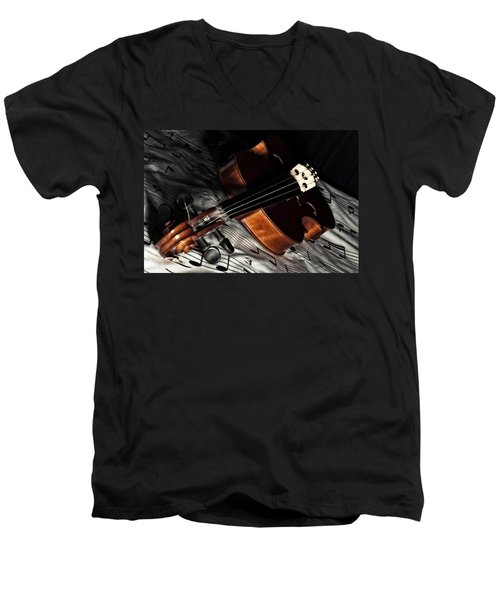 Vintage Violin Men's V-Neck T-Shirt