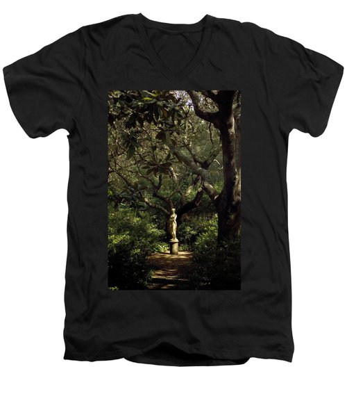 Men's V-Neck T-Shirt featuring the photograph Virginia Dare Statue by Greg Reed