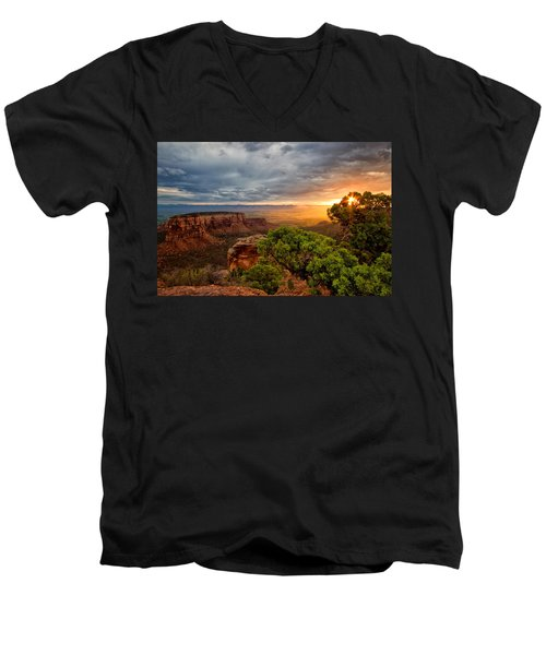 Warm Glow On The Monument Men's V-Neck T-Shirt