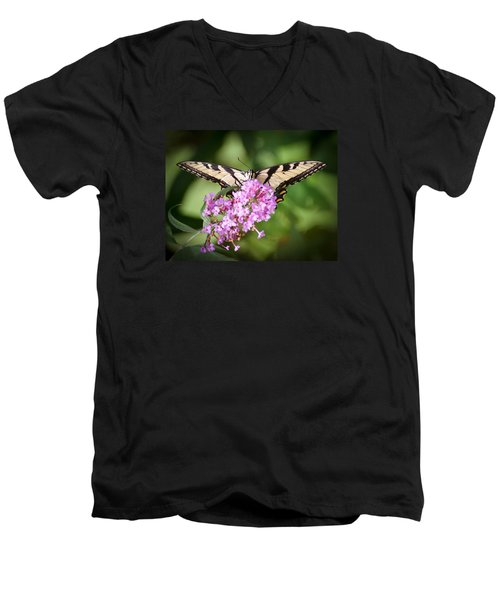 Men's V-Neck T-Shirt featuring the photograph Watching by Kerri Farley