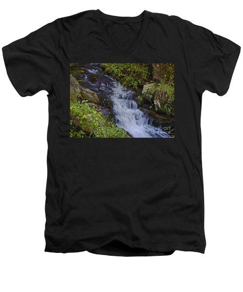 Water Falling Men's V-Neck T-Shirt