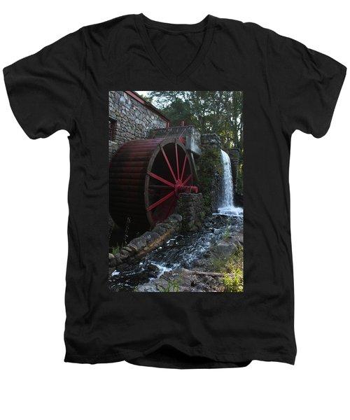 Wayside Inn II Men's V-Neck T-Shirt