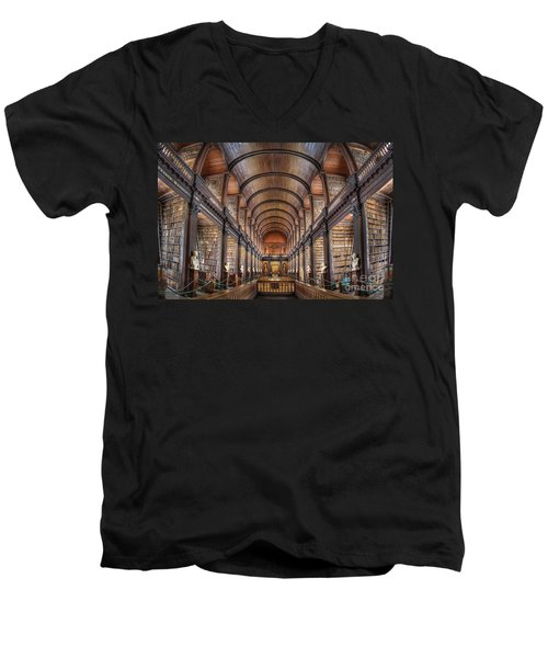 World Of Books Men's V-Neck T-Shirt