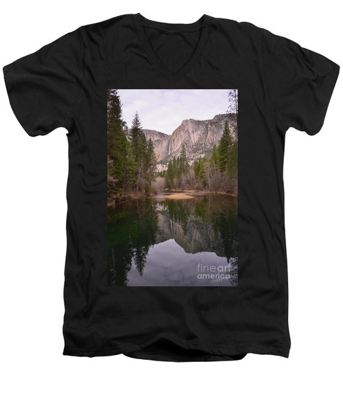 Yosemite Falls Reflection Men's V-Neck T-Shirt