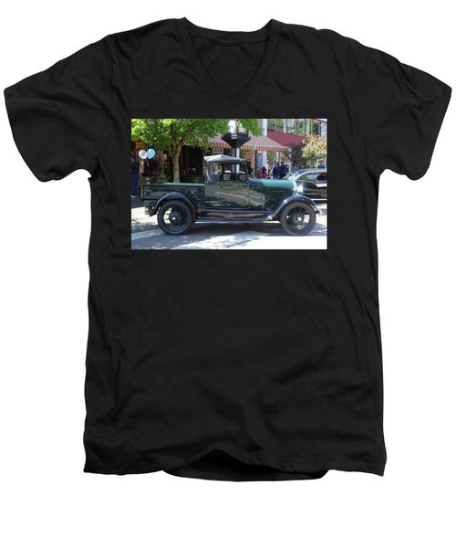 29 Ford Pickup Men's V-Neck T-Shirt