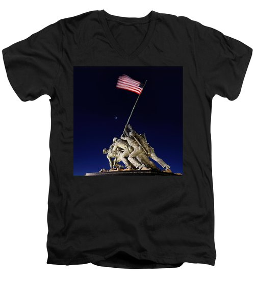Iwo Jima Memorial At Dusk Men's V-Neck T-Shirt