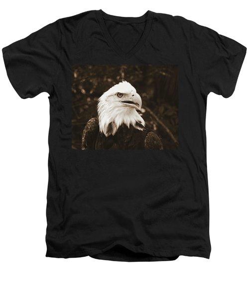 American Eagle Men's V-Neck T-Shirt
