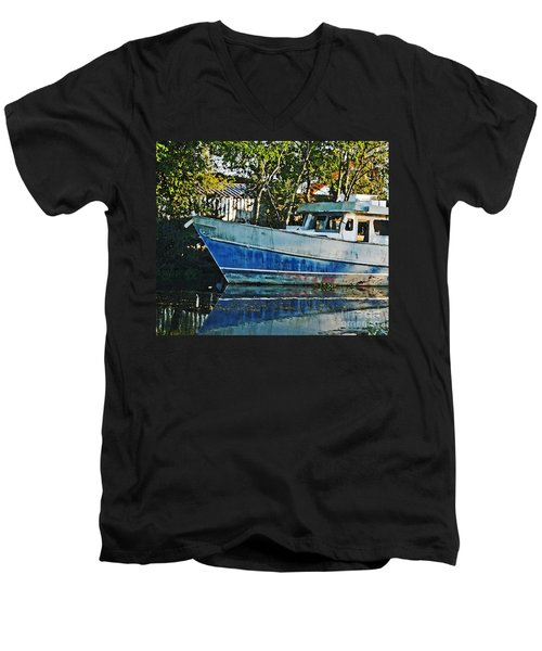 Chauvin La Blue Bayou Boat Men's V-Neck T-Shirt