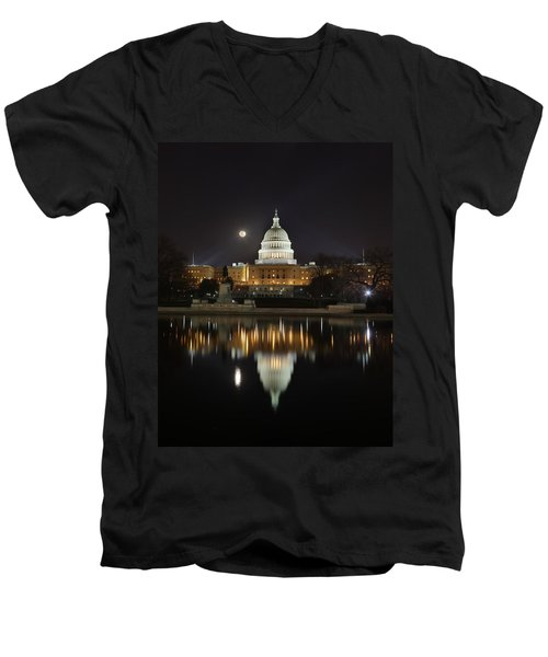 Digital Liquid - Full Moon At The Us Capitol Men's V-Neck T-Shirt