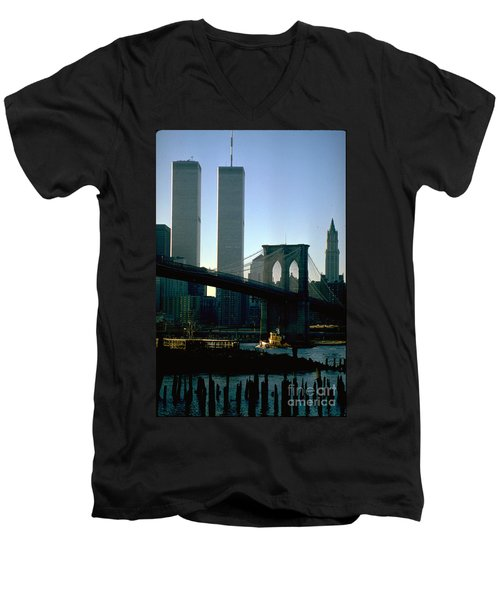 East River Tugboat Men's V-Neck T-Shirt
