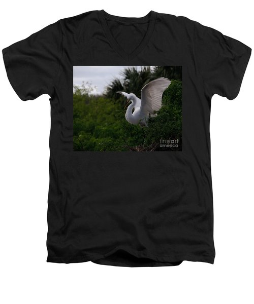 Egret Wings Men's V-Neck T-Shirt