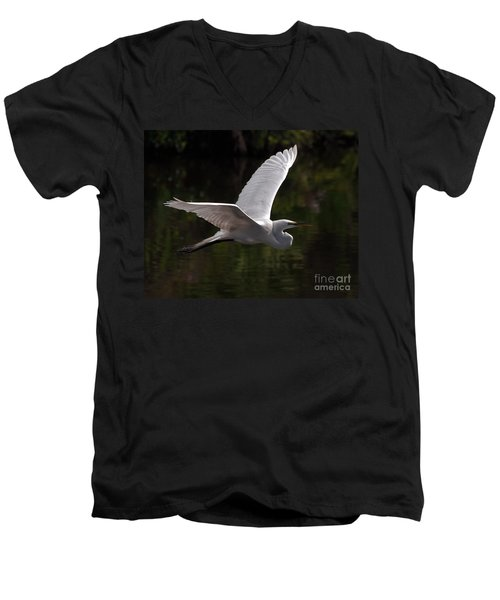 Great Egret Flying Men's V-Neck T-Shirt