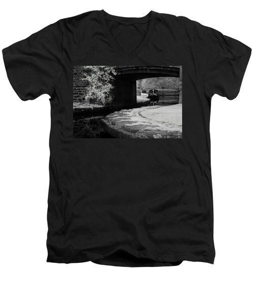 Men's V-Neck T-Shirt featuring the photograph Infrared At Llangollen Canal by Beverly Cash