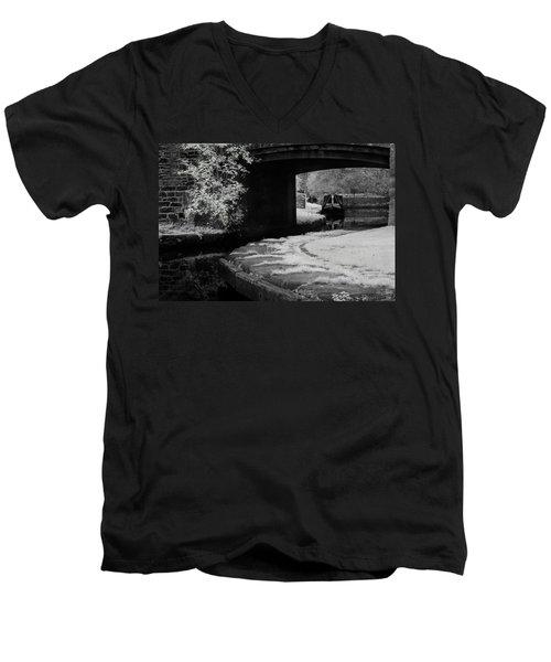 Infrared At Llangollen Canal Men's V-Neck T-Shirt