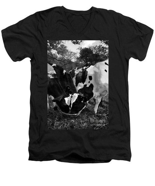Life Is A Circle Men's V-Neck T-Shirt