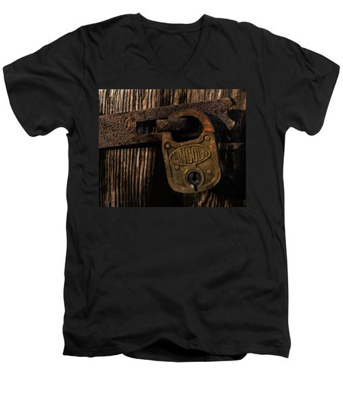Lincoln Lock Men's V-Neck T-Shirt