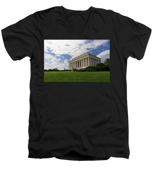 Lincoln Memorial And Sky Men's V-Neck T-Shirt