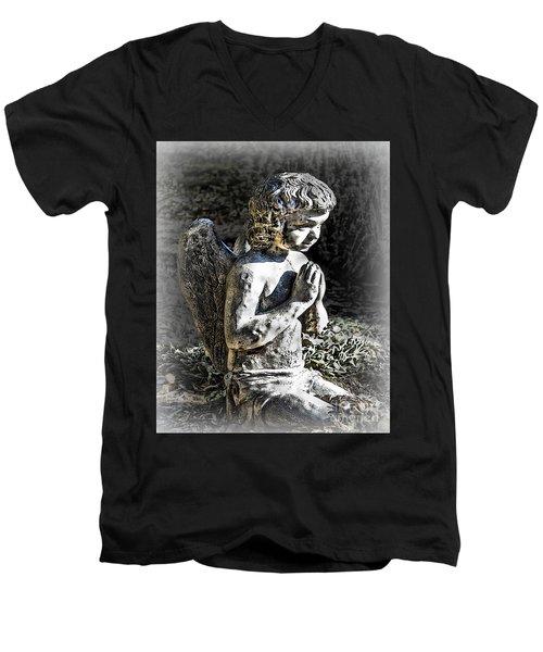 Little Angel Statue Men's V-Neck T-Shirt