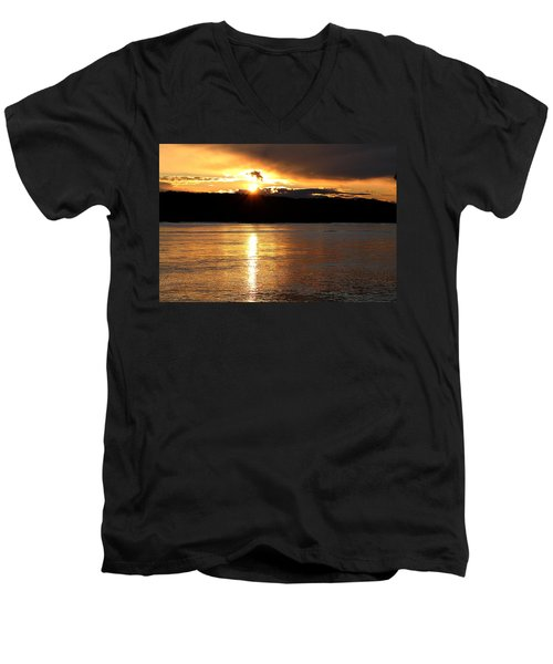 Men's V-Neck T-Shirt featuring the photograph Nebraska Sunset by Elizabeth Winter