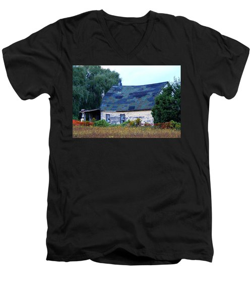 Men's V-Neck T-Shirt featuring the photograph Old Barn by Davandra Cribbie