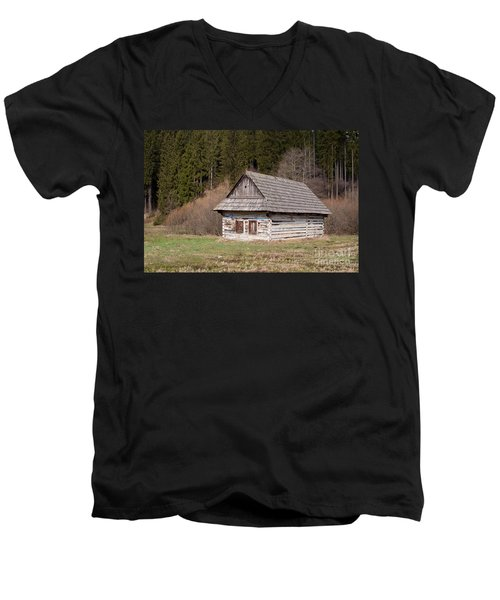 Men's V-Neck T-Shirt featuring the photograph Old Log House by Les Palenik
