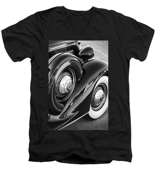 Men's V-Neck T-Shirt featuring the photograph Packard One Twenty by Gordon Dean II