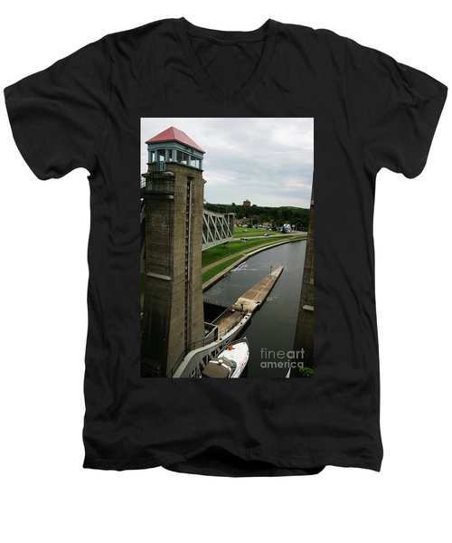 Men's V-Neck T-Shirt featuring the photograph Peterborough Lift Lock by Alyce Taylor