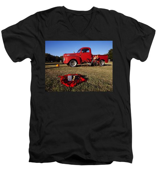 Picnic Time  Men's V-Neck T-Shirt