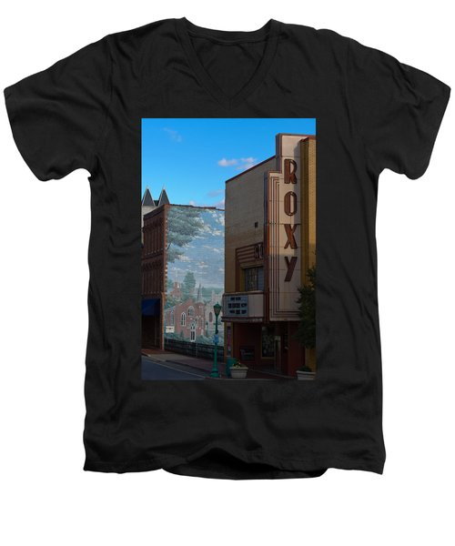 Roxy Theater And Mural Men's V-Neck T-Shirt