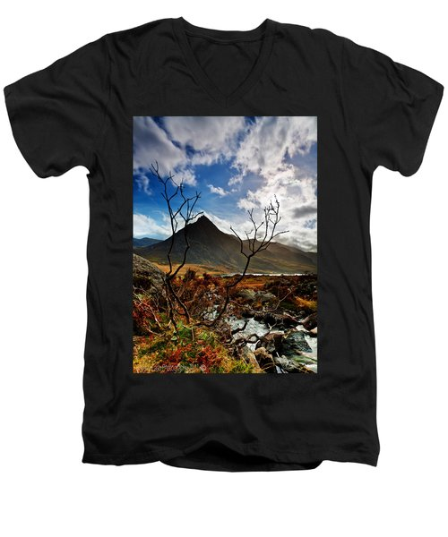 Men's V-Neck T-Shirt featuring the photograph Tryfan And Tree by Beverly Cash