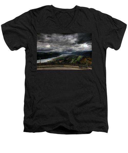 Vista House View Men's V-Neck T-Shirt