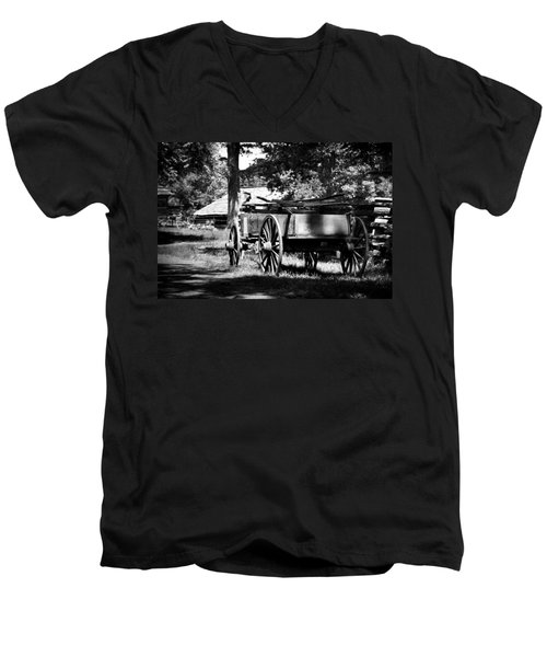 Wagon Men's V-Neck T-Shirt