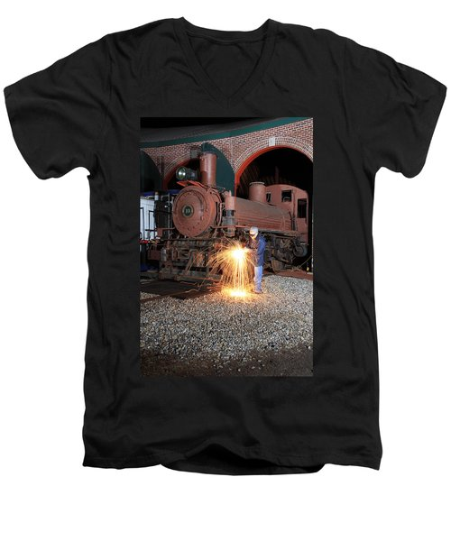 Working On The Railroad Men's V-Neck T-Shirt