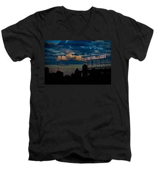 Wrigley Field Light Stand Men's V-Neck T-Shirt