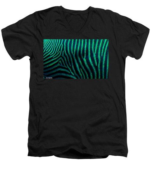 Z Print Men's V-Neck T-Shirt