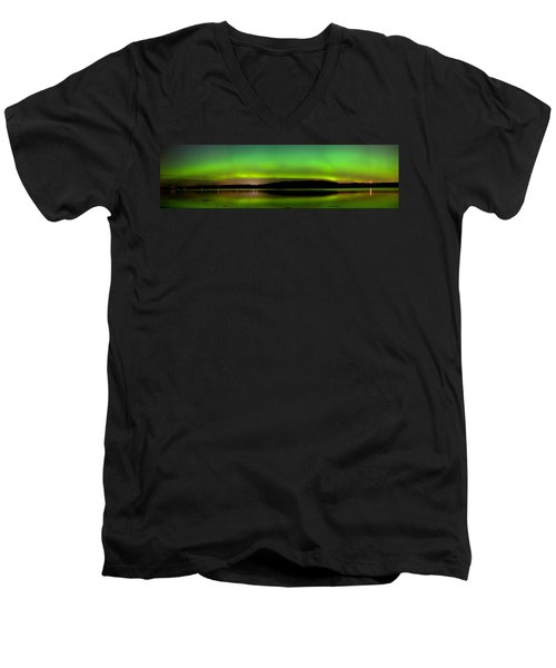 Aurora Over The Beauly Firth Men's V-Neck T-Shirt