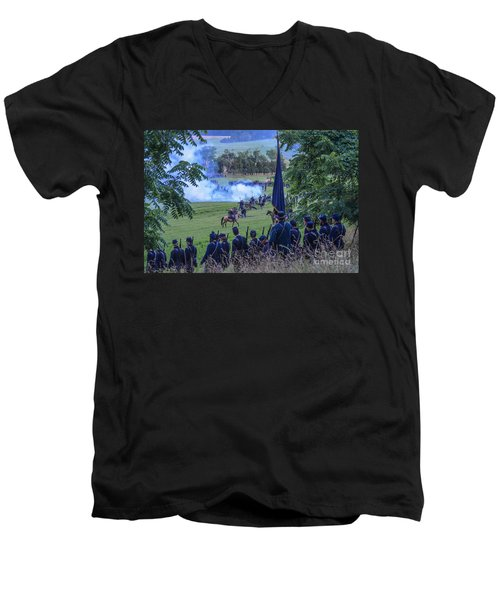 Gettysburg Union Artillery And Infantry 7457c Men's V-Neck T-Shirt